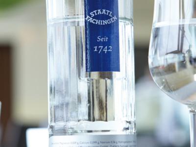 Jetzt bei uns erhältlich Staatlich Fachingen Gourmetwasser - Lebenslust & Design